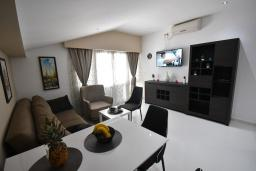 Living room. Montenegro, Igalo : Apartment with 1 bedroom in Igalo