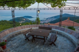 Terrace. Montenegro, Budva : Villa with 3 bedrooms in Budva for 7 guests