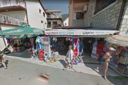 Сувениры и пляжные принадлежности в Дженовичи