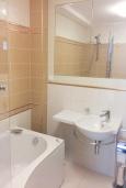 Ванная комната. Черногория, Игало : Апартамент с гостиной, двумя спальнями, двумя ванными комнатами и балконом с видом на море
