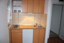 Кухня. Черногория, Игало : Роскошная студия с шикарным видом на море