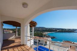 Вид на море. Черногория, Утеха : Роскошная вилла с бассейном и видом на море, 100 метров до пляжа, 4 спальни, 4 ванные комнаты, барбекю, парковка, Wi-Fi