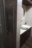 Ванная комната. Черногория, Доброта : Современный апартамент в 100 метрах от пляжа, с гостиной, отдельной спальней и балконом с шикарным видом на море