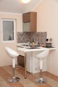 Студия (гостиная+кухня). Черногория, Доброта : Уютная студия в 130 метрах от пляжа и балконом с видом на море