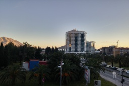 Вид. Черногория, Будва : Апартамент с гостиной, отдельной спальней и балконом
