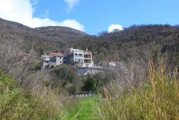Фасад дома. Черногория, Бечичи : Роскошная вилла с бассейном и двориком с барбекю, 3 спальни, 2 ванные комнаты, парковка, Wi-Fi