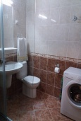 Ванная комната. Черногория, Рафаиловичи : Апартамент с отдельной спальней, 70 метров до моря