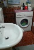 Ванная комната. Черногория, Рафаиловичи : Апартамент с отдельной спальней и террасой в 70 метров до моря