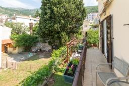 Балкон. Черногория, Петровац : Уютная студия с кондиционером и балконом