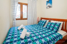 Bed room 2. Montenegro, Njivice : Apartment with 3 bedrooms in Njivice