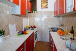 Kitchen. Montenegro, Njivice : Apartment with 3 bedrooms in Njivice