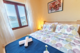 Bed room. Montenegro, Njivice : House with 8 bedrooms in Njivice for 21 guests