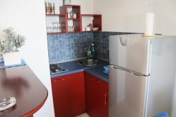 Черногория, Игало : Современный апартамент на набережной Игало