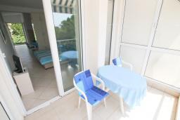 Балкон. Черногория, Герцег-Нови : Студия в Топла рядом с пляжем Раффаэло