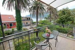 Балкон. Черногория, Игало : Комната на 2 персоны с видом на море, с кондиционером