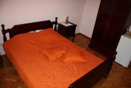 Студия (гостиная+кухня). Черногория, Игало : Студия с балконом, 50 метров до моря