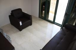 Гостиная. Черногория, Игало : Шикарный люкс апартамент с балконом и кухней