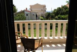 Вид. Черногория, Игало : Просторный люкс апартамент с балконом и большой кухней