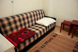 Гостиная. Черногория, Биела : Апартамент для 4 человек с отдельной спальней, с террасой