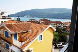 Вид на море. Черногория, Игало : Апартамент ЛЮКС с французским балконом и захватывающим видом на море