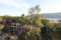 Вид. Черногория, Игало : Шикарный апартамент с большой гостиной и двумя спальнями