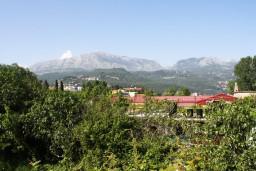 Вид. Черногория, Игало : Студия на 2 этаже для двоих с балконом и видом на море, на вилле с бассейном
