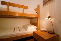 Спальня. Черногория, Герцег-Нови : Апартамент Магнолия в Савина
