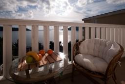 Балкон. Черногория, Герцег-Нови : Апартамент Камелия для четырёх человек