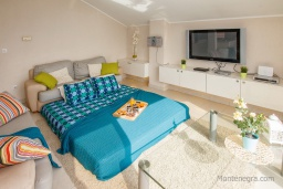 Living room. Montenegro, Zelenika : House with 2 bedrooms in Zelenika for 6 guests