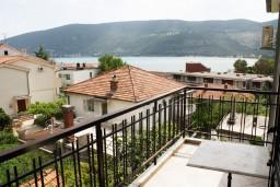 Вид на море. Черногория, Игало : Студия с французской кроватью и видом на море