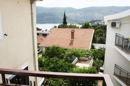 Вид на море. Черногория, Игало : Студия для четверых с французской кроватью и раскладным диваном