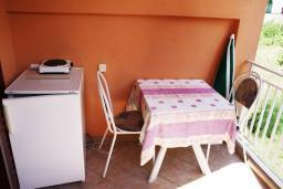 Балкон. Черногория, Игало : Уютная студия в Игало с балконом