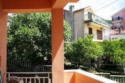 Вид. Черногория, Игало : Уютная студия в Игало с балконом