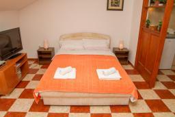 Студия (гостиная+кухня). Черногория, Герцег-Нови : Студия с видом на море