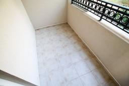Балкон. Черногория, Петровац : Апартаменты на 6-8 человек, 2 спальни, 2 балкона