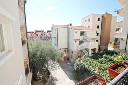 Вид. Черногория, Петровац : Апартаменты на 6-8 человек, 2 спальни, 2 балкона