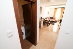 Гостиная. Черногория, Петровац : Апартамент на втором этаже с балконом