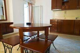 Студия (гостиная+кухня). Черногория, Петровац : Студия в 10 метрах от моря