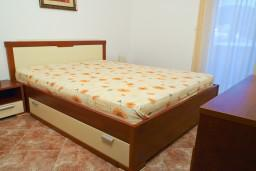 Черногория, Петровац : Апартаменты на 4 персоны