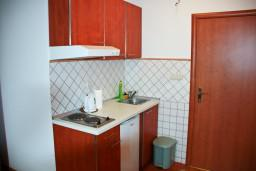 Черногория, Петровац : Апартаменты на 4 персоны, с видом на море