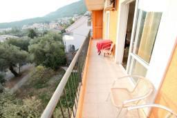 Балкон. Черногория, Петровац : Апартаменты с отдельной спальней и балконом