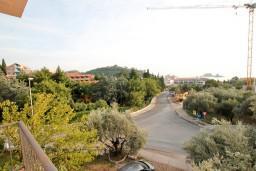 Вид. Черногория, Петровац : Апартаменты с отдельной спальней и балконом