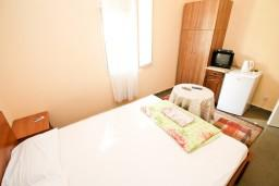 Спальня 2. Черногория, Петровац : Апартаменты на 10 персон, 4 спальни