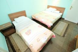 Спальня 3. Черногория, Петровац : Апартаменты на 10 персон, 4 спальни
