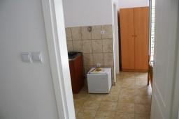 Ванная комната. Черногория, Мельине : Студия в Мельине с балконом и видом на море