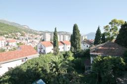 Вид на море. Черногория, Игало : Уютная студия с балконом с видом на море