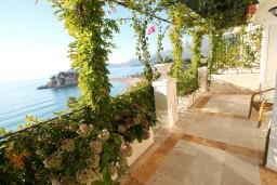 View. Montenegro, Sveti Stefan : Apartment with 1 bedroom in Sveti Stefan