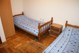 Спальня 2. Черногория, Игало : Новый апартамент с 2 спальнями и огромной террасой на первом этаже.
