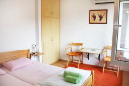 Студия (гостиная+кухня). Черногория, Герцег-Нови : Студия в Савина возле пляжа