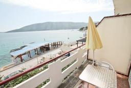 Балкон. Черногория, Герцег-Нови : Студия с балконом и шикарным видом на море